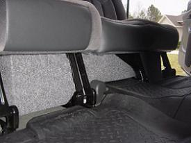 "01-06 Silverado/Sierra HD Crew Cab Single 10"" Downfire w/ Amp Shelf"